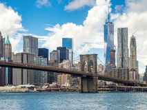 The Brooklyn Bridge and the Lower Manhattan skyline in New York Stock Photography