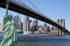 Brooklyn Bridge, Manhattan skyline and the Statue Stock Photo