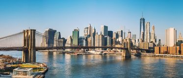 Brooklyn bridge and Manhattan at sunny day Royalty Free Stock Photos