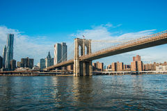 The brooklyn bridge in new york on bright summer Stock Photos