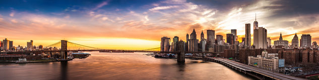 Brooklyn Bridge panorama at sunset Royalty Free Stock Photos