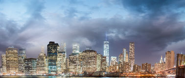 Brooklyn Bridge at twilight with downtown Manhattan Royalty Free Stock Photography