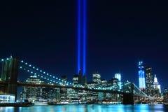 Brooklyn Brigde en de Torens van Lichten royalty-vrije stock afbeelding