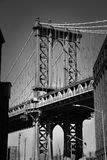 Brooklyn bro i New York i svartvitt Royaltyfri Bild