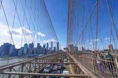 Brooklyn bro New York - en berömd gränsmärke MANHATTAN - NEW YORK - APRIL 1, 2017 Royaltyfri Fotografi