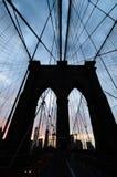 Brooklyn bro på skymning royaltyfria foton