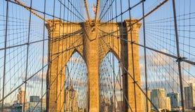 Brooklyn bro på solnedgången i Brooklyn, New York, USA arkivbild