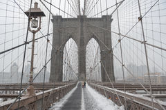 Brooklyn bro, snöstorm - New York City Royaltyfri Foto