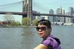 Brooklyn-Frau gesorgt. Stockbilder