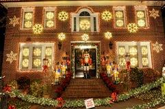 BROOKLYN, NEW YORK - 20 de dezembro de 2017 - luzes de Natal das alturas de Dyker é decorada para o feriado      para Imagem de Stock Royalty Free