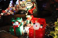 BROOKLYN, NEW YORK - 20 de dezembro de 2017 - luzes de Natal das alturas de Dyker é decorada para o feriado      para Fotos de Stock