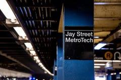 Brooklyn, NY/EUA - 31 de julho de 2018: Jay Street Metro Tech Subway S foto de stock royalty free