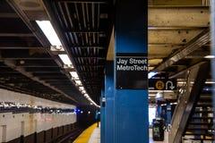 Brooklyn, NY/EUA - 31 de julho de 2018: Jay Street Metro Tech Subway S foto de stock