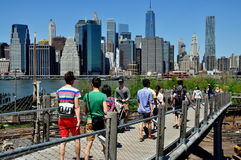 Brooklyn, NY: People Walking to Brooklyn Bridge Park Stock Photography