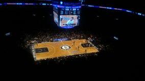 Brooklyn PREND le match de basket au filet Photo libre de droits