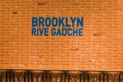 Brooklyn Rive Gauche tecken på Printemps, Paris Arkivfoto