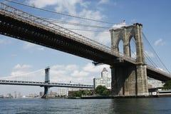 Brooklyn-und Manhattan-Brücken vom Süden Lizenzfreies Stockfoto