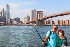 从Brookyln的看法在East河在纽约 免版税库存图片