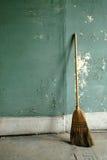 broom старая здания grungy Стоковые Изображения RF