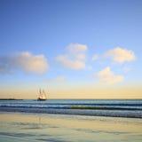 Пляж Broome Австралия кабеля шлюпки Sailing Стоковая Фотография