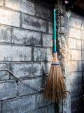 Broomstick obwieszenie na ścianie Zdjęcia Stock