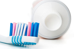 Brosse à dents et pâte dentifrice Photos stock