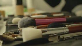 Brosse cosmétique, brosse pour la poudre banque de vidéos