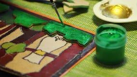 Brosse de Colorize avec la peinture verte banque de vidéos