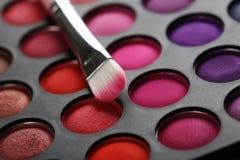 Brosse de lecture de maquillage image libre de droits