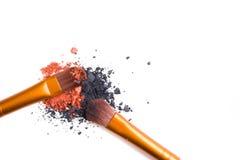 Brosse de lecture professionnelle de maquillage et isolant lâche de fards à paupières de poudre Photos libres de droits