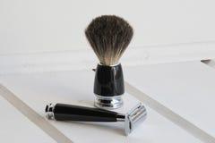 Brosse noire de rasoir et de rasage Photos libres de droits