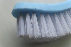 Brosse pour des bouteilles de lavage, biberons de lavage Photo stock