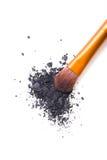 Brosse professionnelle de maquillage et fards à paupières lâches de poudre d'isolement Image libre de droits