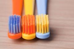 Brosses à dents de couleur Photos stock
