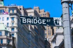 Brost, vägmärke i NYC Arkivfoto