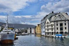 Brosundet Aalesund Norge Royaltyfri Fotografi