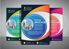 Broszurka projekt, okładkowy nowożytny układ, sprawozdanie roczne, plakat, ulotka w A4 z kolorowym trójbokiem fotografia stock