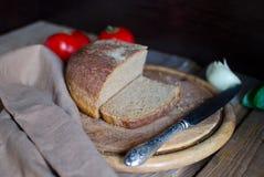 Brot auf der Tabelle Lizenzfreies Stockfoto