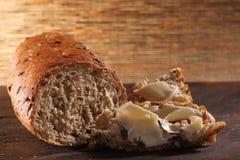 Brot, Butter an Bord Stockfotografie