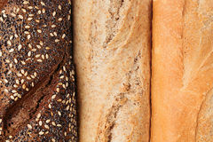 Brot der unterschiedlichen Vielzahlansicht von oben Rye, Weizen und Vollkornbrot Makro Beschaffenheit Stockfotos