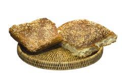 Brot in einem Korb Stockfotos