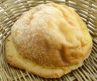 Brot im Korb Stockbilder