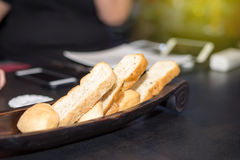 Brot im Korb Lizenzfreies Stockbild