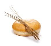 Brot mit den Weizenohren Stockfoto
