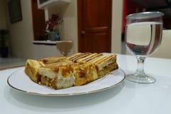 Brot mit Erdnussmarmelade Lizenzfreie Stockbilder