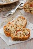 Brot mit Gewürzen und Gemüse Lizenzfreie Stockfotos