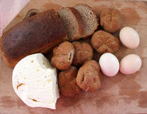 Brot mit Käse und Eiern Stockfotografie