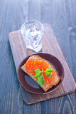 Brot mit Kaviar Lizenzfreies Stockbild