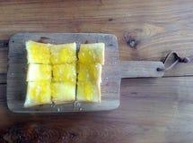 Brot mit Orangenmarmelade Lizenzfreie Stockbilder