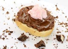 Brot mit Schokoladencreme Stockfoto